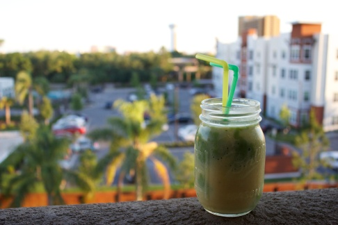 Green and Gold Smoothie 4